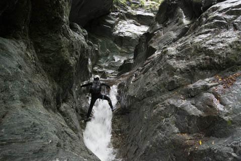 安居渓谷のゴルジュ