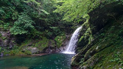 安居渓谷の滝