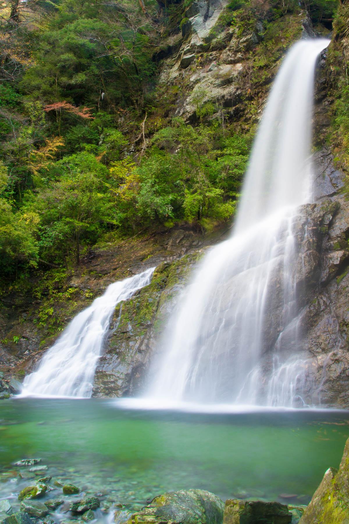 安居渓谷の飛龍の滝