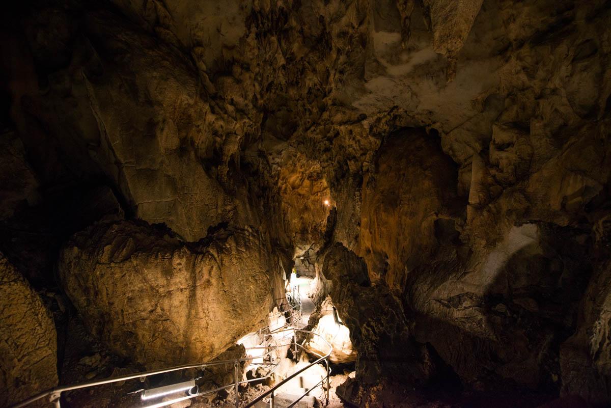 龍河洞の逢坂峠