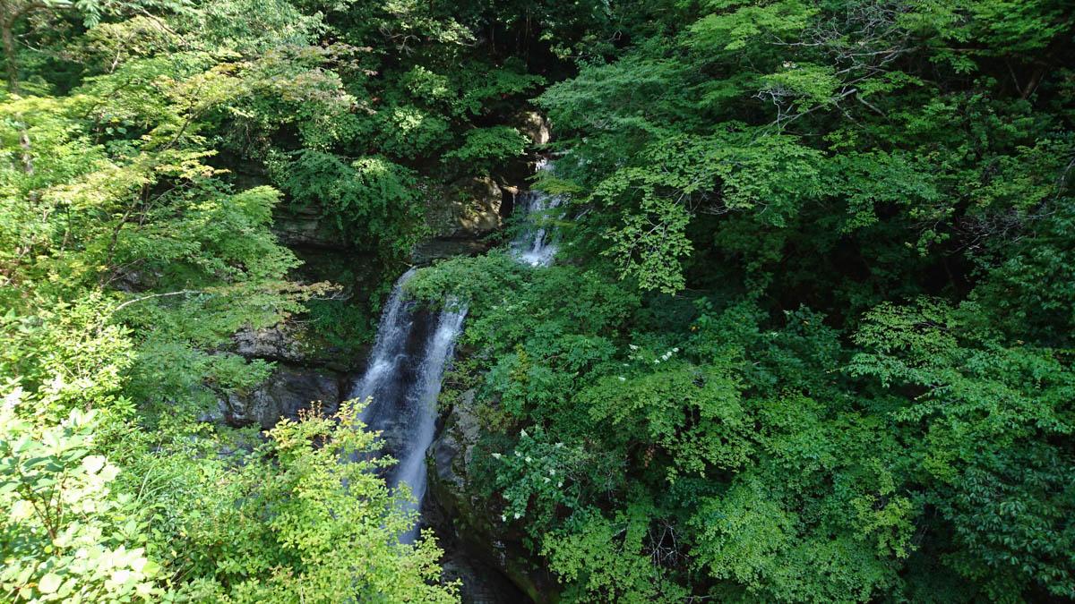 千仭橋から見下ろす見返りの滝