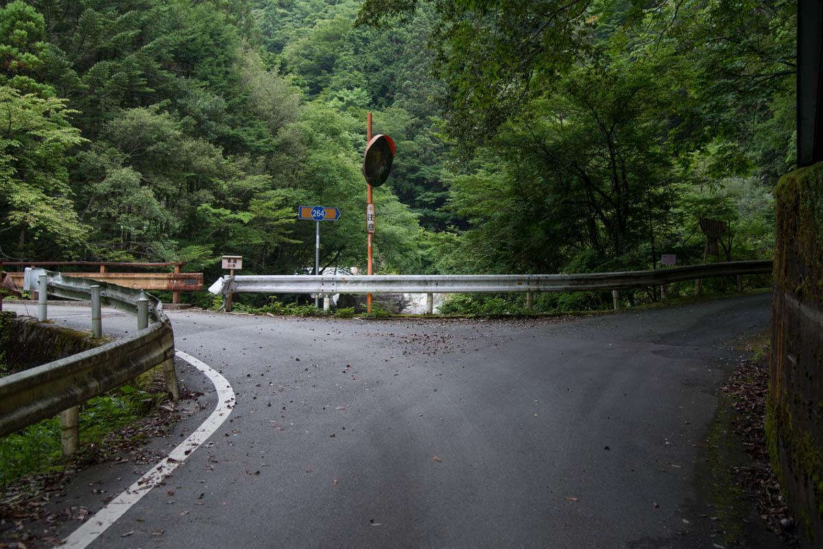 汗見川の赤滝までの道