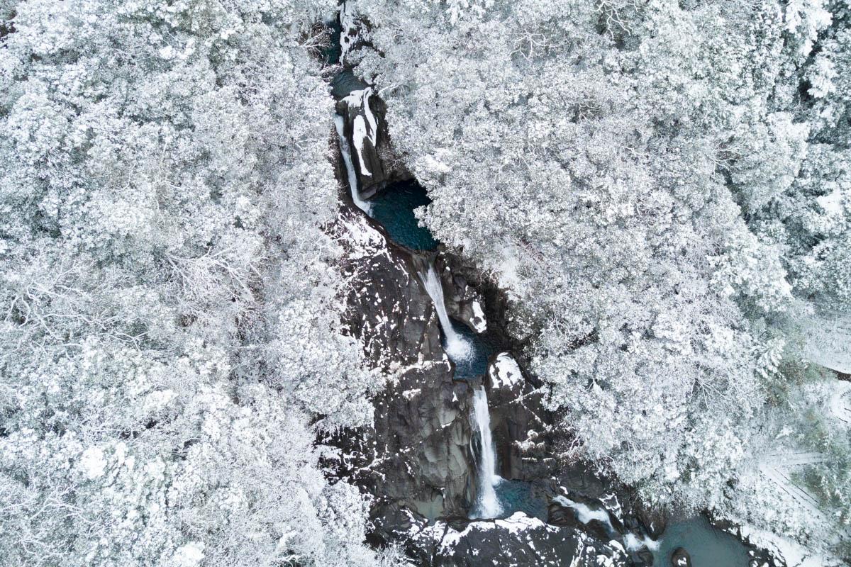 冬季の轟の滝