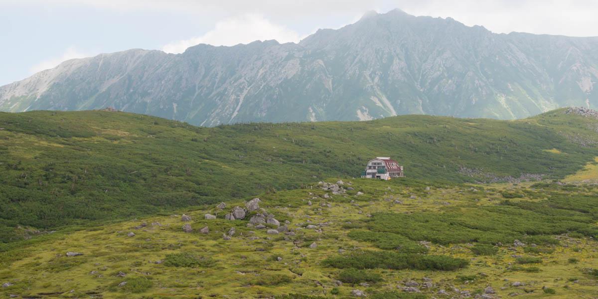 雲の平山荘