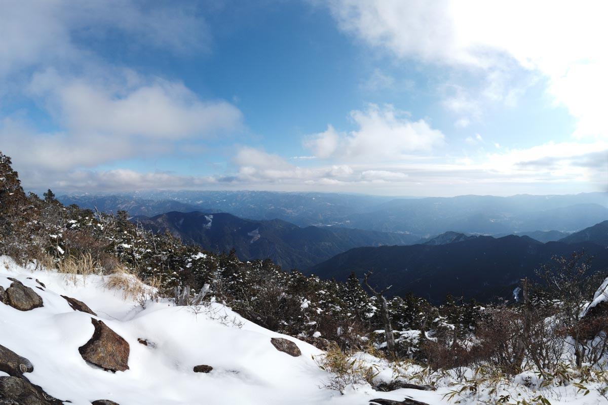 白髪山の頂上